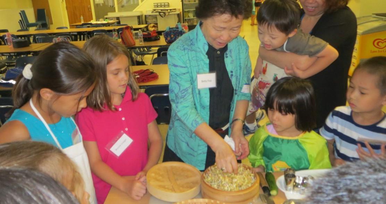 Betty Foo Teaches Cooking